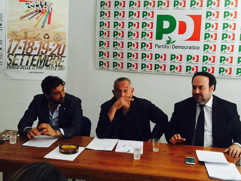 Il Sottosegretario Del Basso De Caro con il consigliere regionale Mortaruolo e il segretario provinciale del Pd Valentino