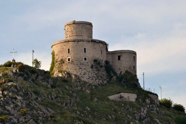 MONTESARCHIO_TORRE-600x400